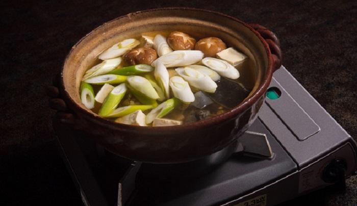 老舗店の味!白だしで作る海外でも簡単で本格的なお鍋