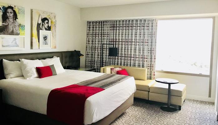 """ラスベガスでコスパ・立地の良い快適ホテル """"プラネットハリウッド"""""""